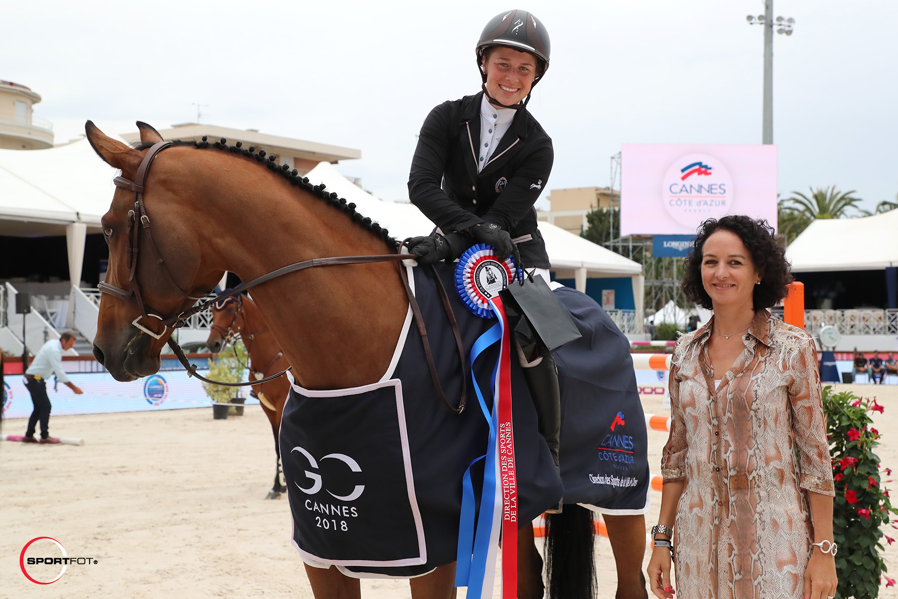 CSI1_Prix-Direction-des-Sports-de-la-Ville-de-Cannes_1m35_Sandrine-Berger (2)