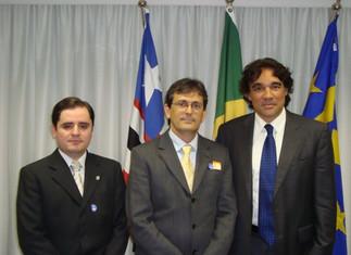 Sen. Edson Lobão recebe o Prof. Georges e o Cmt. Milton