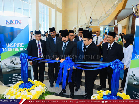 OFFICIATE AATA IN UNIVERSITY TUN HUSSEIN ONN MALAYSIA BY CROWN PRINCE OF JOHOR