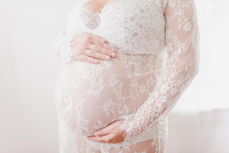 08-25-18 Bianca Maternity Boudoir - 415.