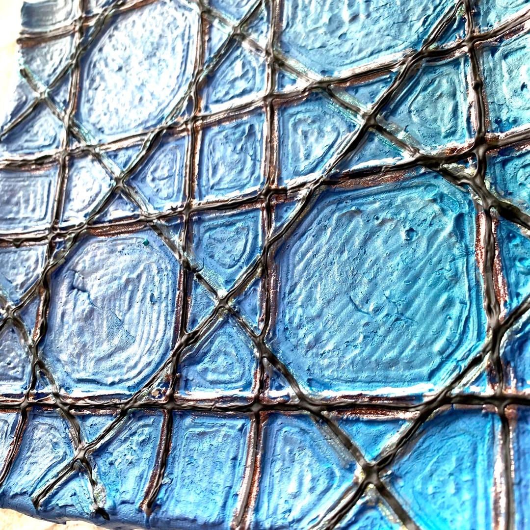 bleu-clay-2.jpeg