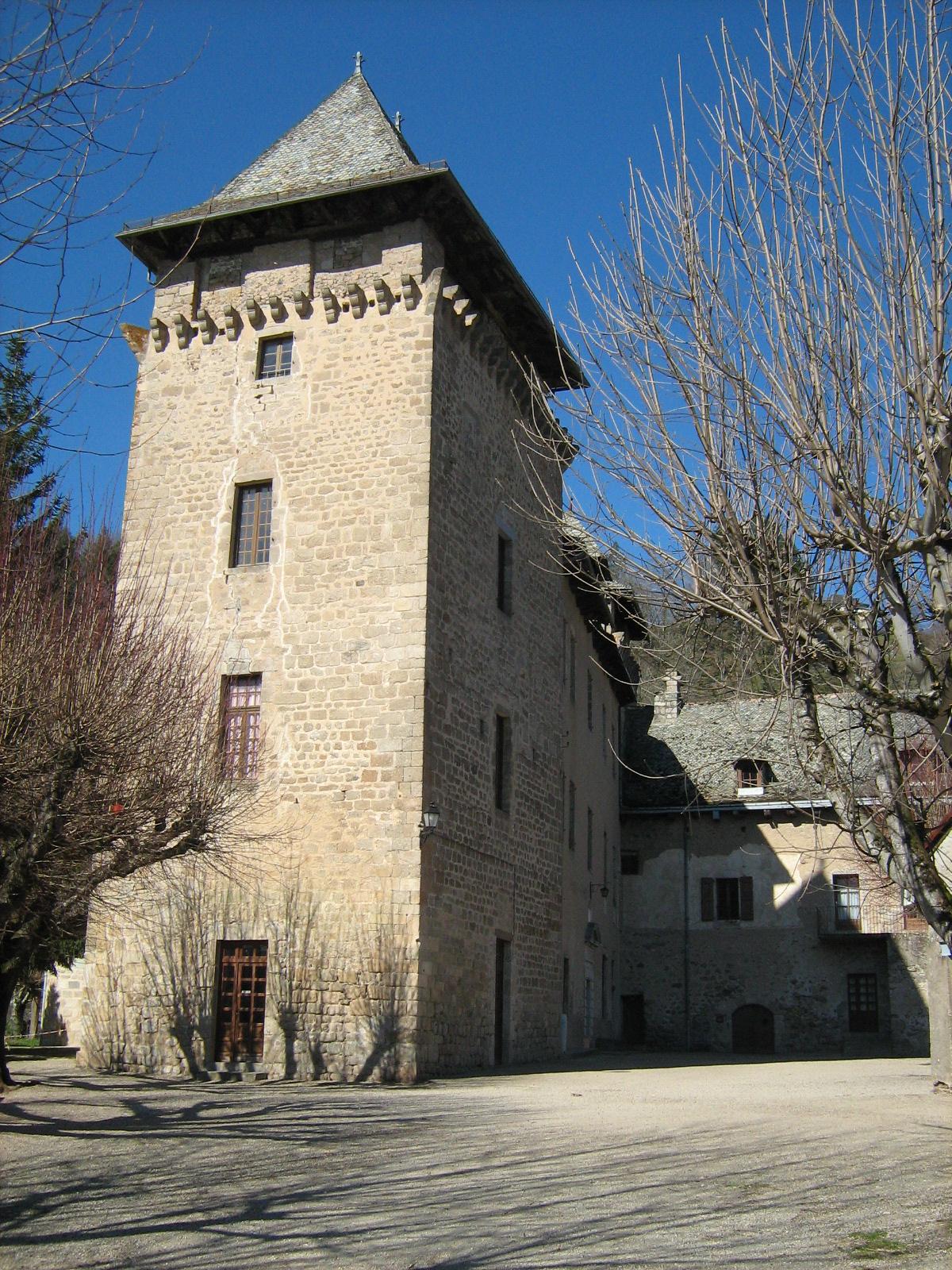 La tour, côté cour