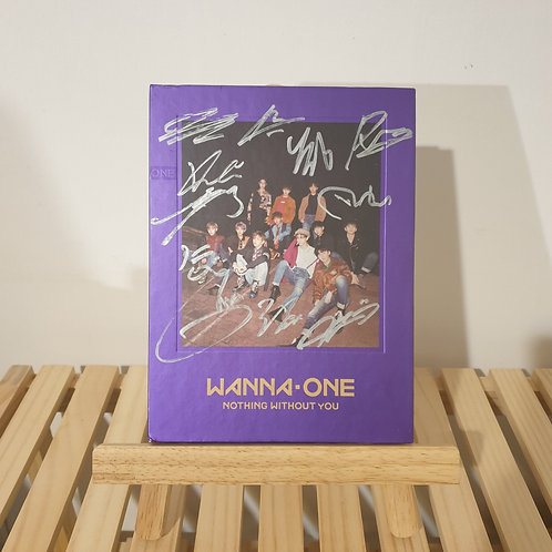 WANNA ONE - Signed  Promo Album
