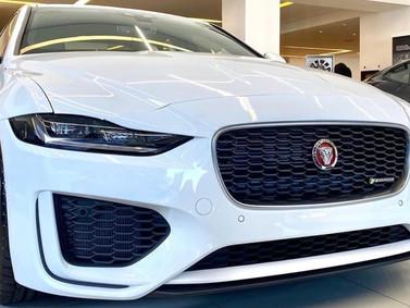 Jaguar XE 2020 cập bến Việt Nam, đấu Mercedes-Benz C-Class và BMW 3-Series