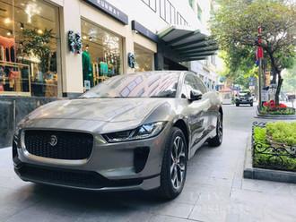 Jaguar I-Pace chạy điện 100% lần đầu xuất hiện tại Việt Nam.