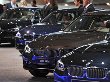 Tin nóng: Thuế 0% ô tô giảm giá, dân Việt bỏ xe cỏ lên đời xe sang