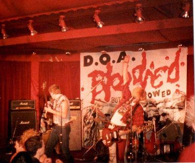 DOA at the Bier Keller, photo Eric Barne