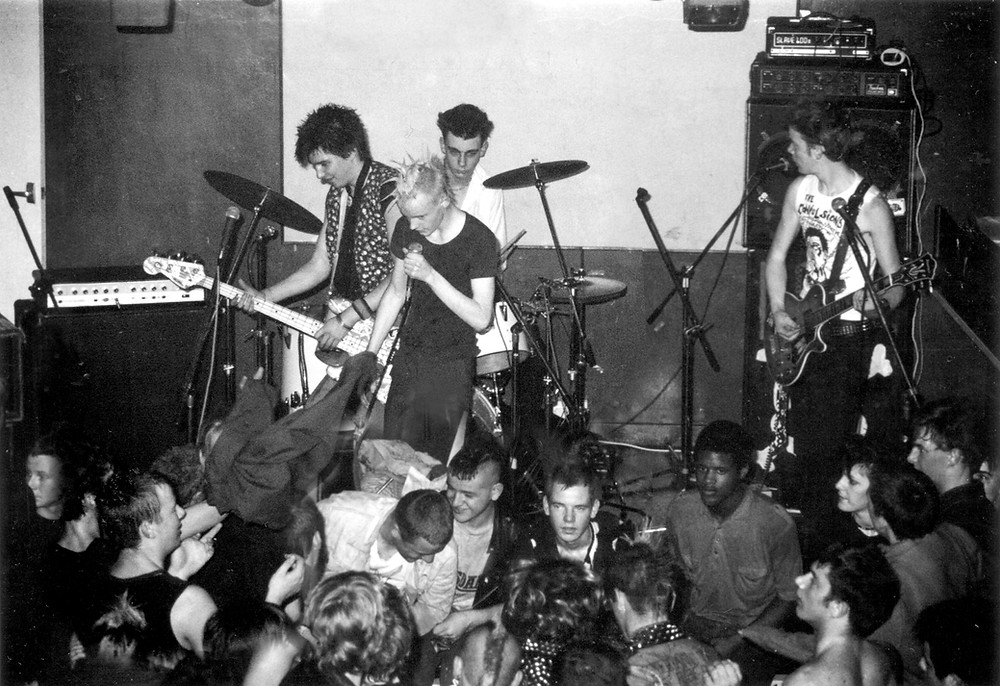 The Convulsions live in 1983