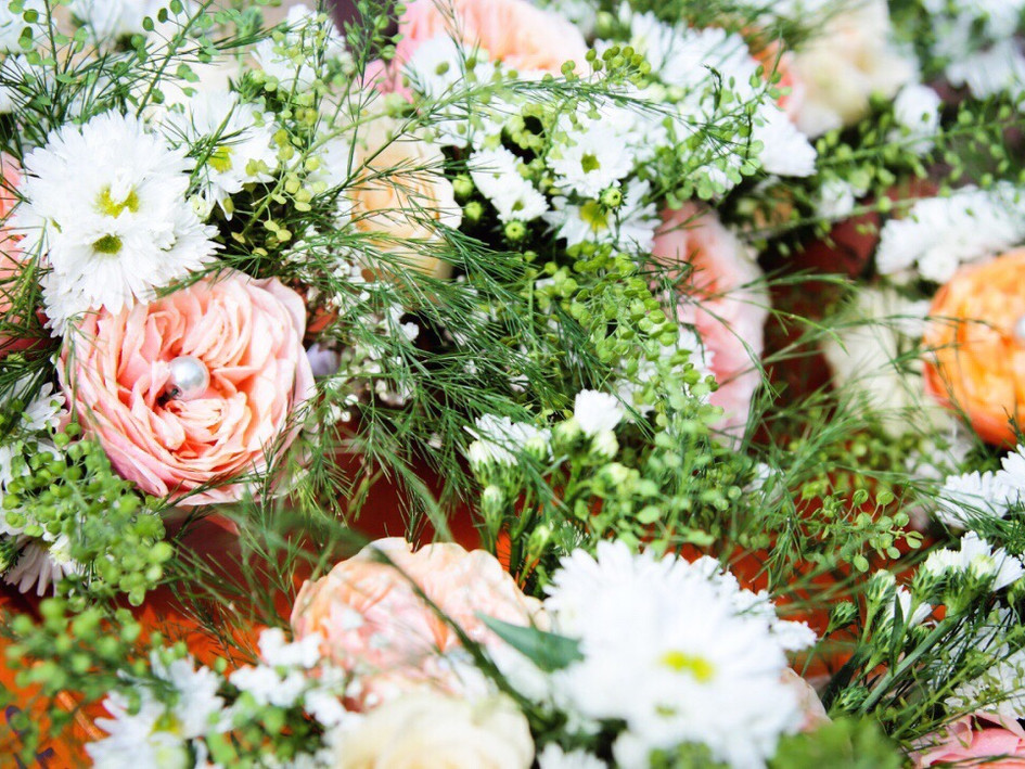 beautiful wedding flowers with pretty details by buds to bouquets
