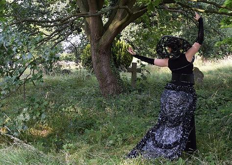 Gothic Queen 7, Lili Giacobino
