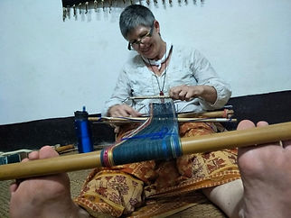Julie Stephenson Skeinydipping weaving in Laos