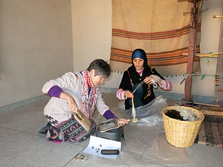 Julie Stephenson Weaving in Morocco