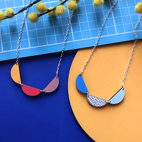 Scallop Trio Wooden Bunting Necklace