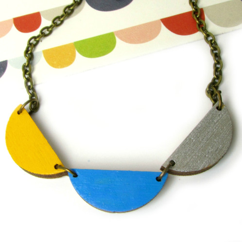 scallop grande traders by petit mata necklace boutique products hourglass