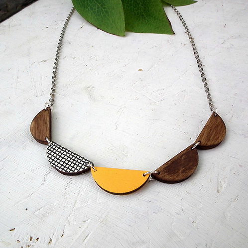 Rosewood Bunting Necklace