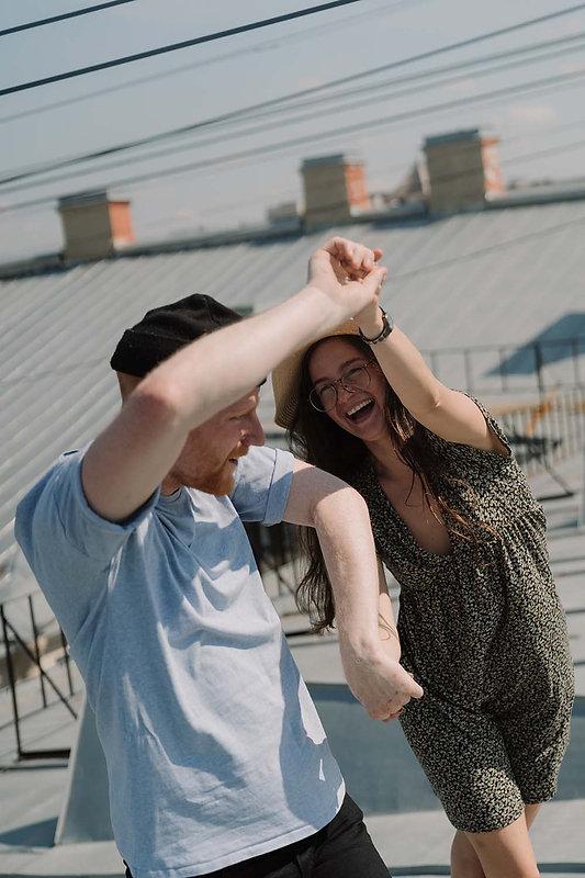 Couple-terrasse-danse-vacances-stage.jpg