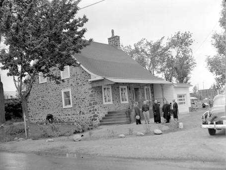 Maison au coin de Charron et Saint-Georges