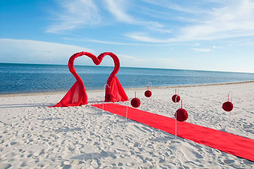 wedding in key west with heart arbor