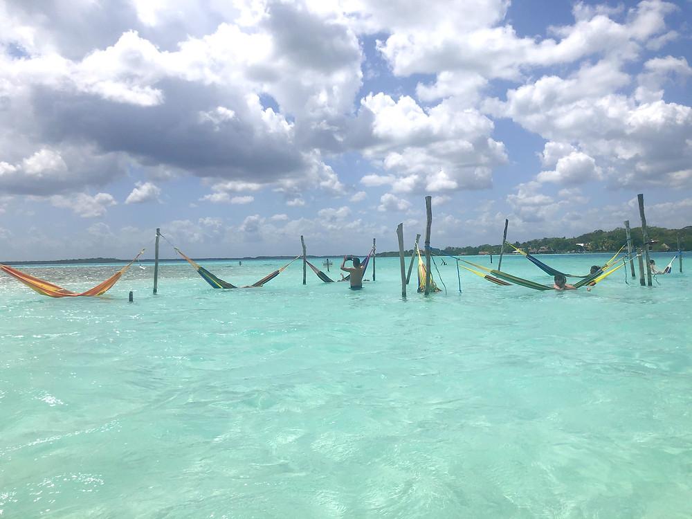 Bacalar-schwimmen-haengematten-lagune-tipps-cocalitos