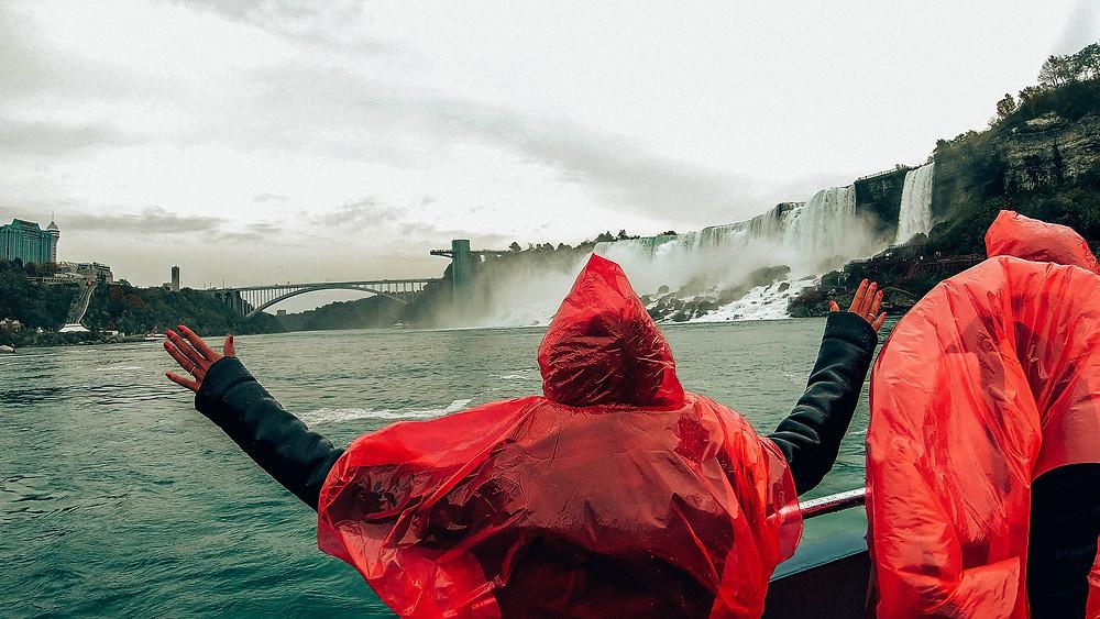 Kanada-Niagarafälle-Urlaub-Reisebericht-Hotel-Unternehmungen-bootsfahrt