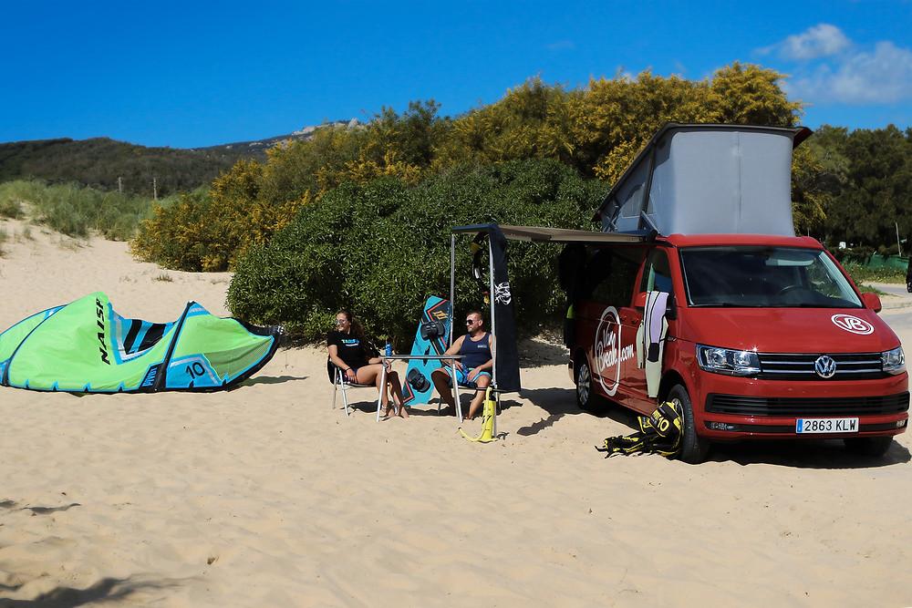 Andalusien-Tarifa-Kitesurfen-Strand