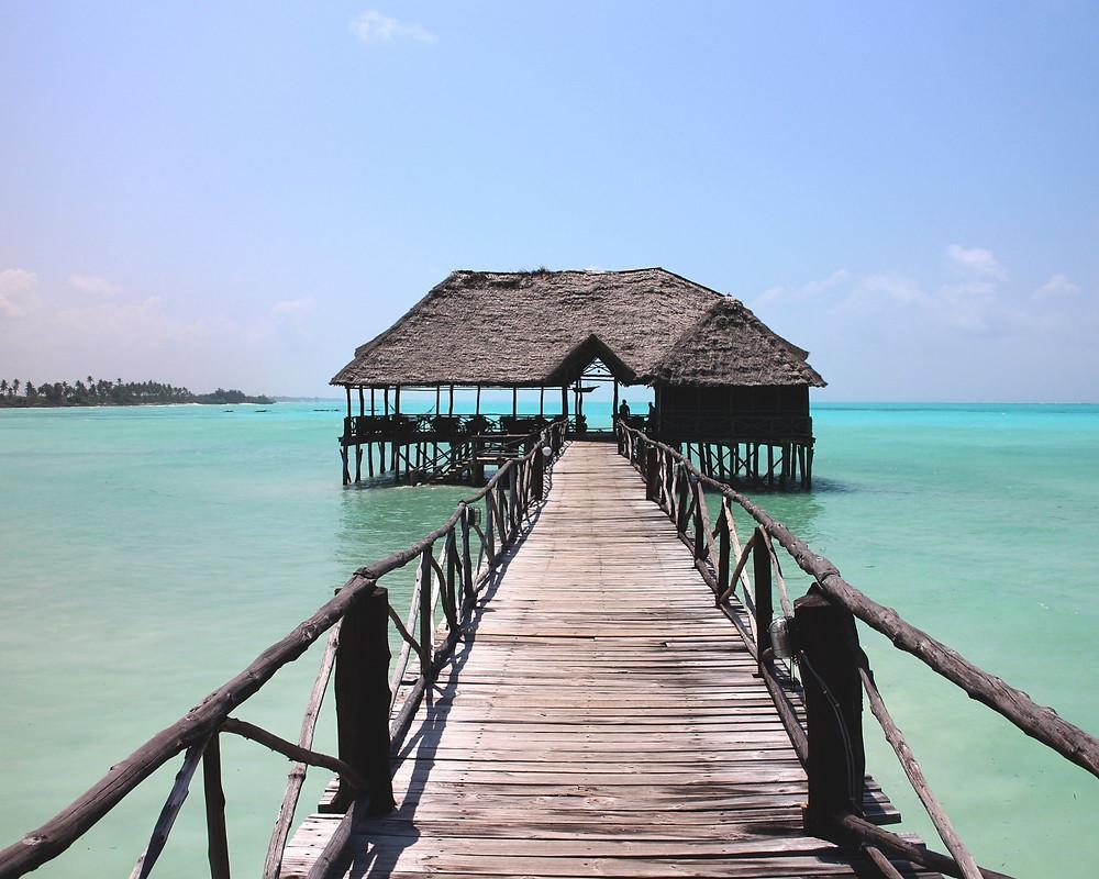 Sansibar-tansania-Urlaub-badestrand-Paradies