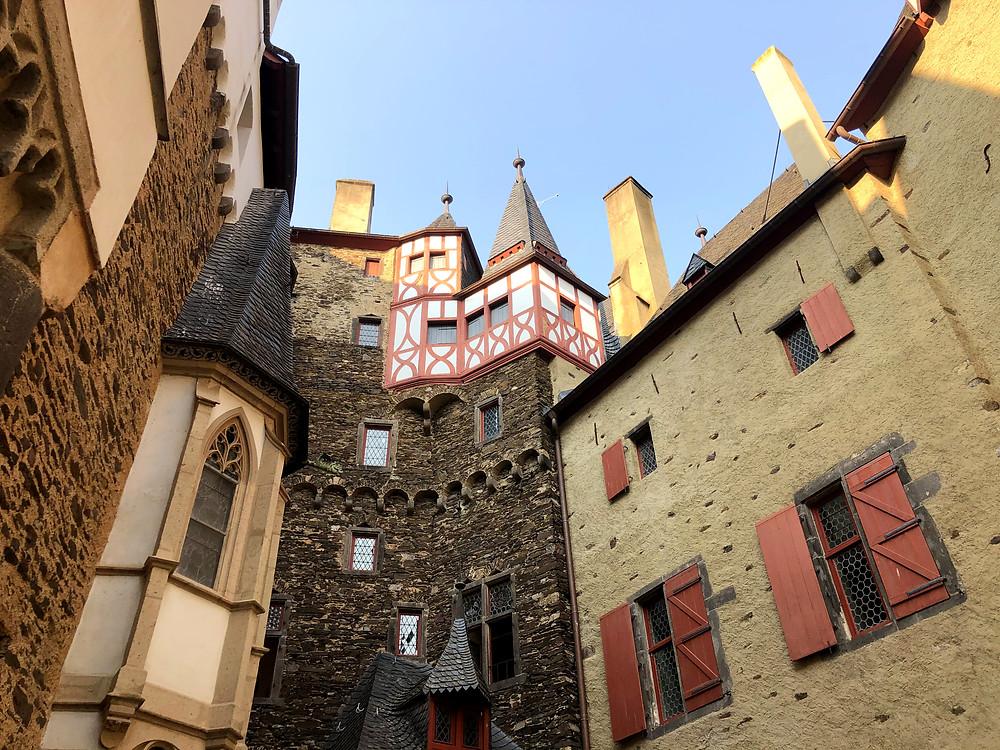 Burg-Eltz-Burgführung-ohne-Touristen