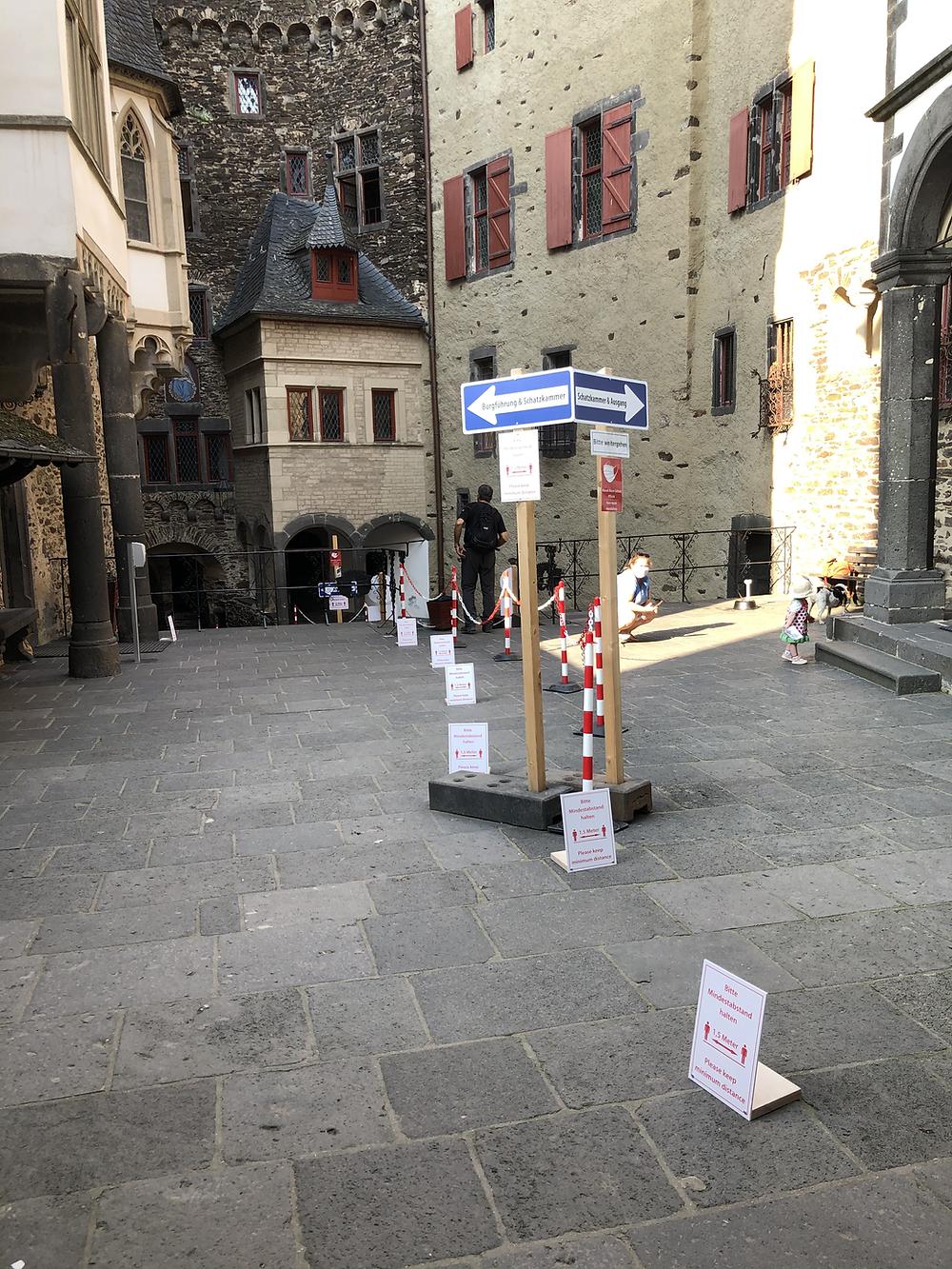 Burg-Eltz-Corona-besuch-2020