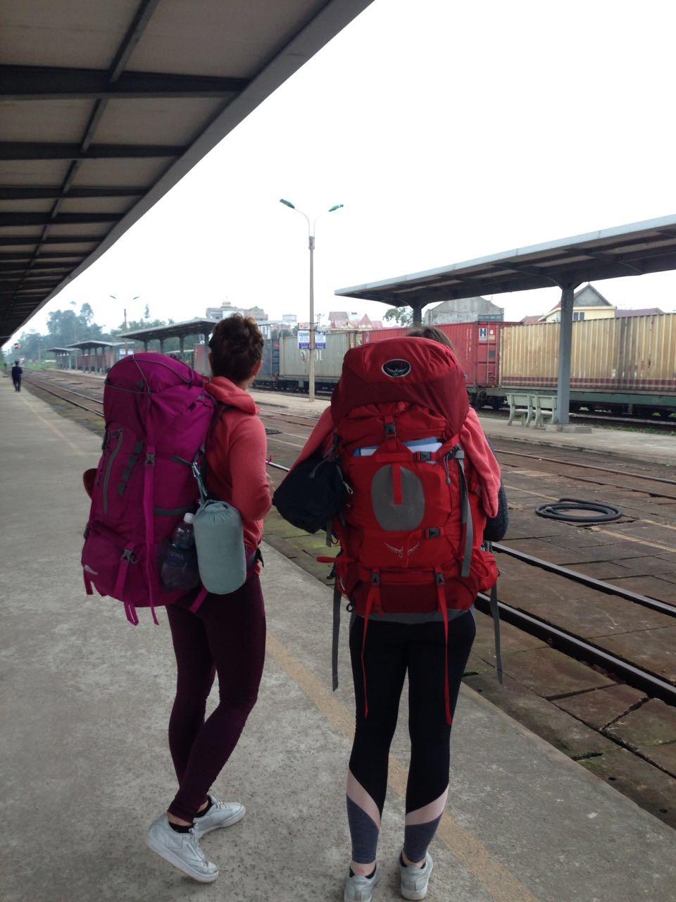 Vietnam-Rundreise-Reiseroute-zwei-Wochen-Kosten-Zugfahrt