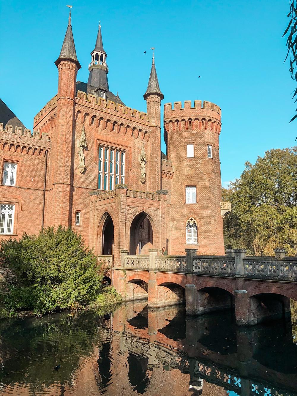 Schloss-Moyland-NRW-ausflüge-Unternehmungen-Corona-Lockdown