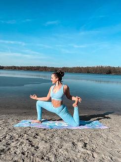 Yoga-Live-Kurse-Zoom