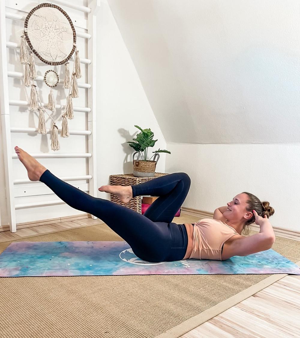 Yoga-Pilates-Live-Zoom-online-Kurse