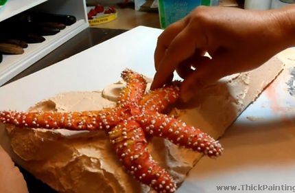 squeezing_starfish_leg_with_paint3opt.jp