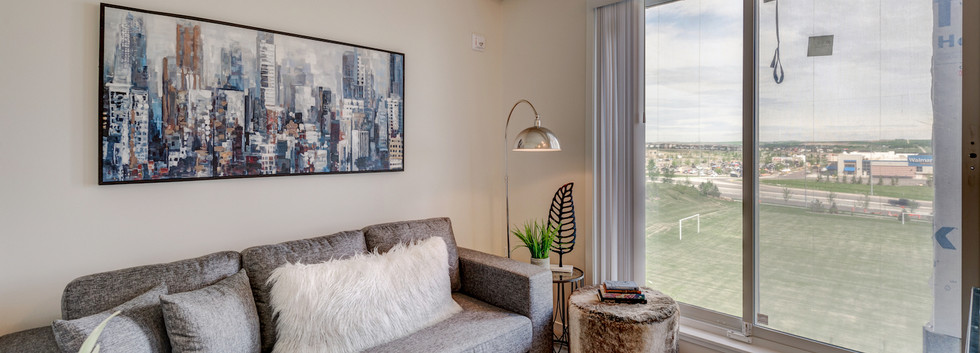 Manhattan - 1 Bedroom + Den