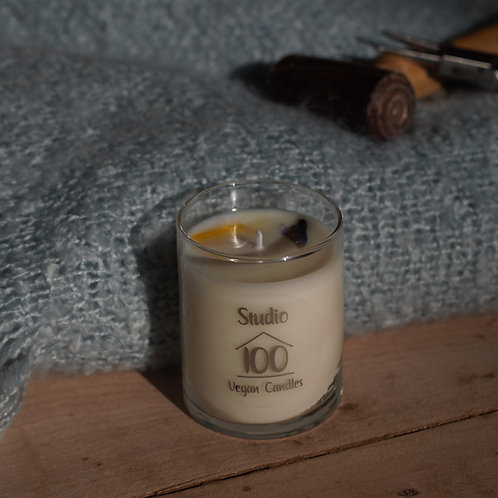 Cinnamon swirl candle