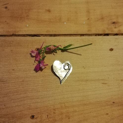 Textured swirl heart necklace