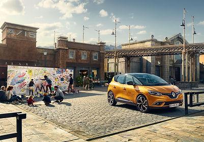 Renault Scenic 2016 Nieves Monterde de Arte Michael Schnabel