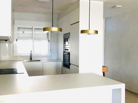 La transformación de una cocina en un espacio moderno y funcional