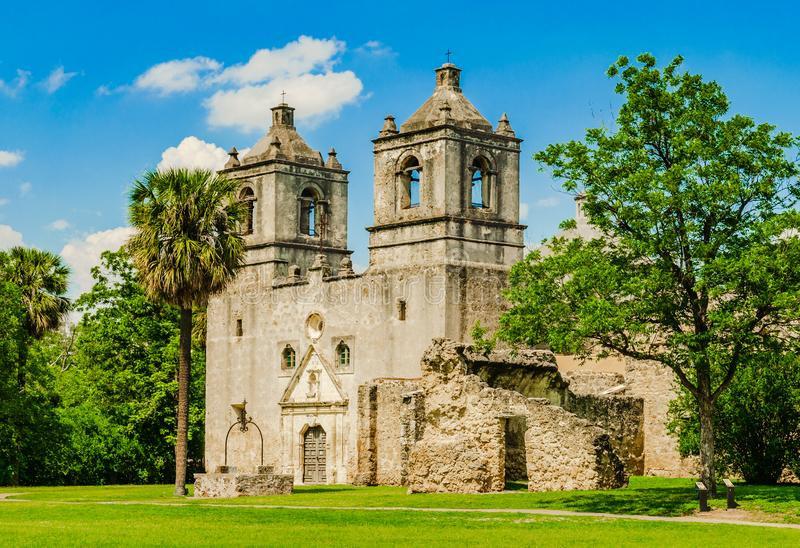 mission-concepcion-san-antonio-texas-church-part-national-historical-park-140358886.jpg