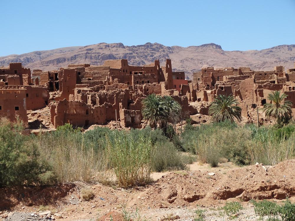ksour et kasabahs dans la vallée des 1000 casbahs, au sud du Maroc, photo prise lors de notre road trip en famille