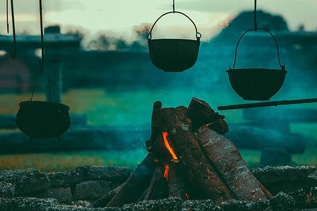 campfire-1846142_1920.jpg