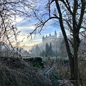 Celles :  La promenade du château de Vêves au lendemain de Noël - Excursion familiale féérique