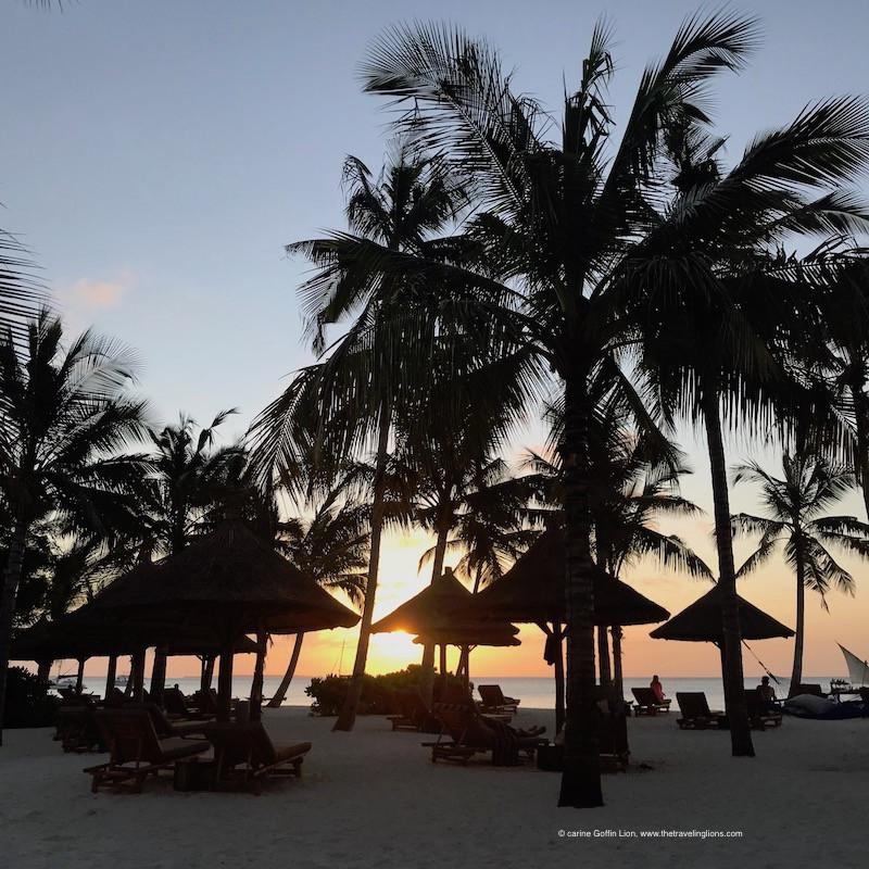 Coucher de soleil sur la plage du Zuri Zanzibar