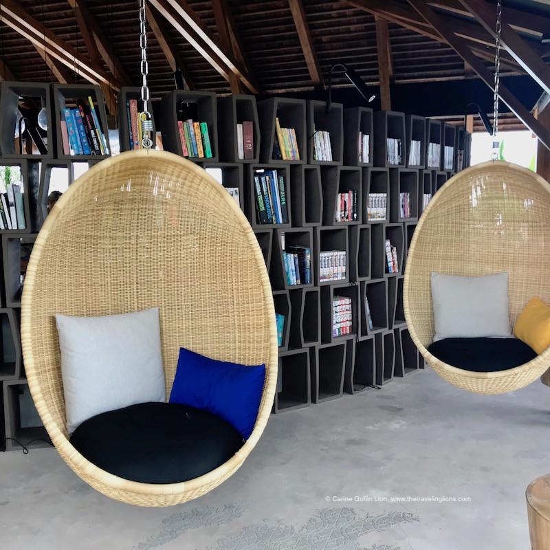 Magnifique design pour cette bibliothèque, située dans le lobby du Zuri, hôtel de luxe à Zanzibar