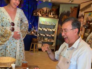 Provence | Plongée dans l'univers des santons – Rencontre avec Patrick Volpes, maître santonnier