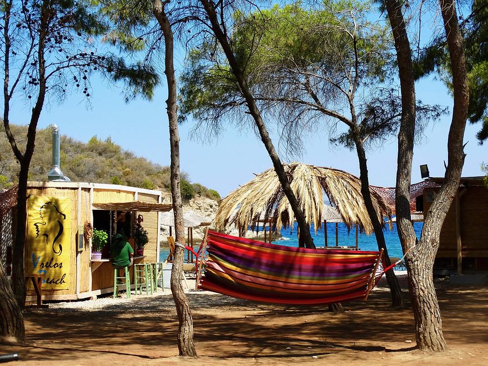 Vrelos beach et sa pinède, Spetses, Grece