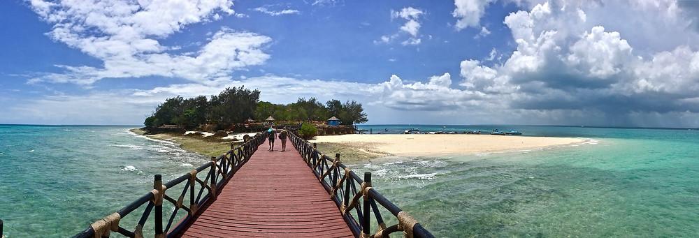 Vue panoramique depuis le ponton de l'île de Changuu (Prison Island, Zanzibar)