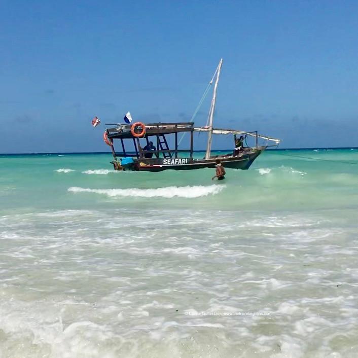Safari Blue - Croisiere en dhow traditionnel et snorkeling dans l'atoll de Mnemba