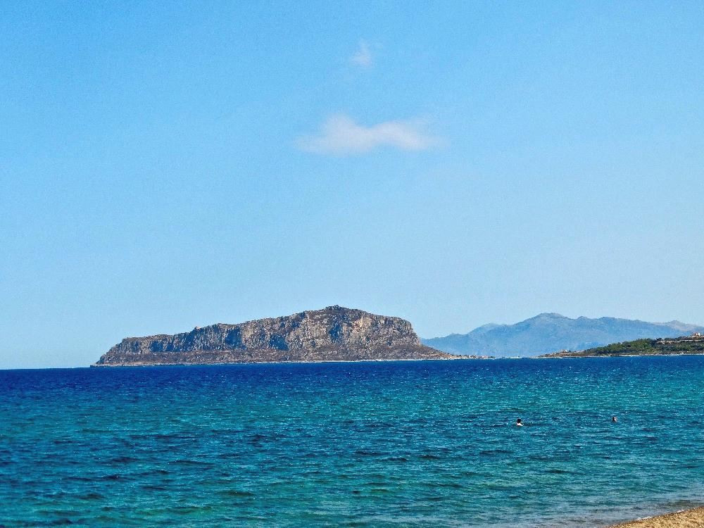 Le rocher de Monemvasia, dans le sud du peloponnese, en grece