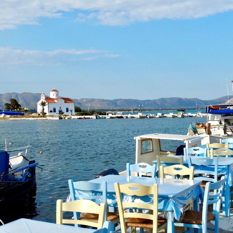 image du port d'elafonissos pas loin de la plage de simos